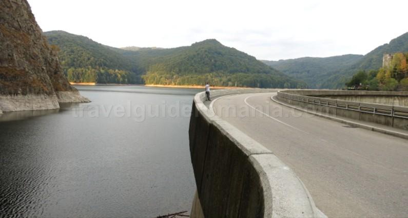 transfagarasan vidraru lake