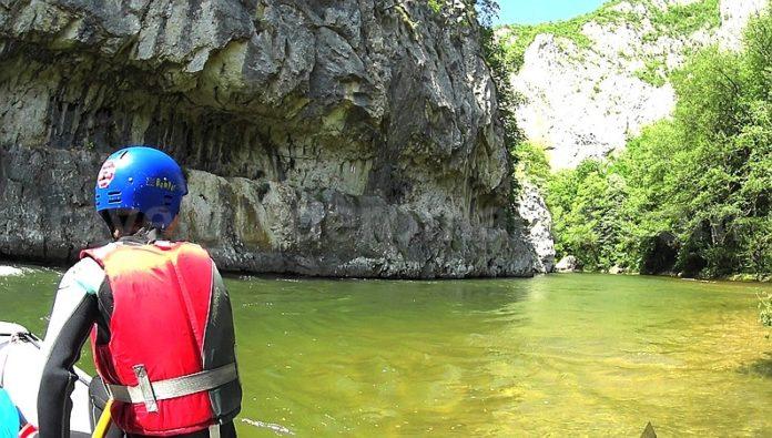 Nerei gorges rafting