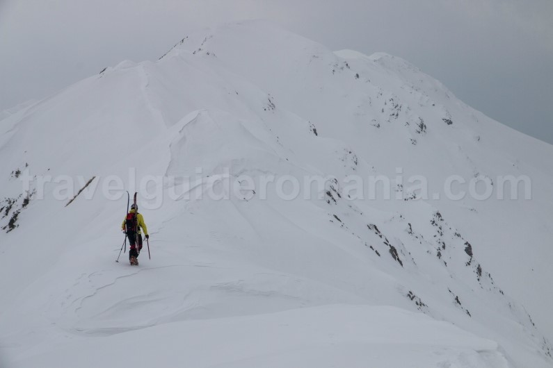 Adventure tours in Romania - ski touring on Oslea ridge