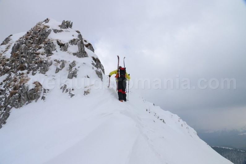 Ski touring in the Carpathians- Travel Guide Romania