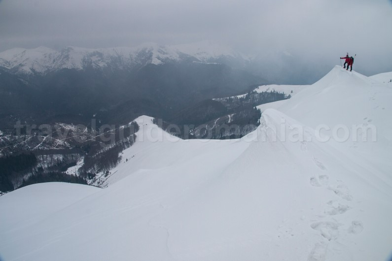 Ski touring in transylvania - Oslea ridge