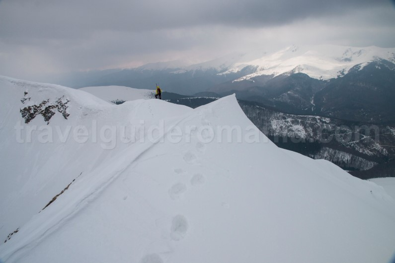 Trekking & hiking in Romania - winter trips