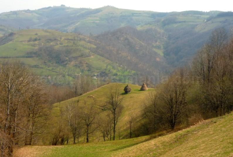 czech village Banat Mountains almajului
