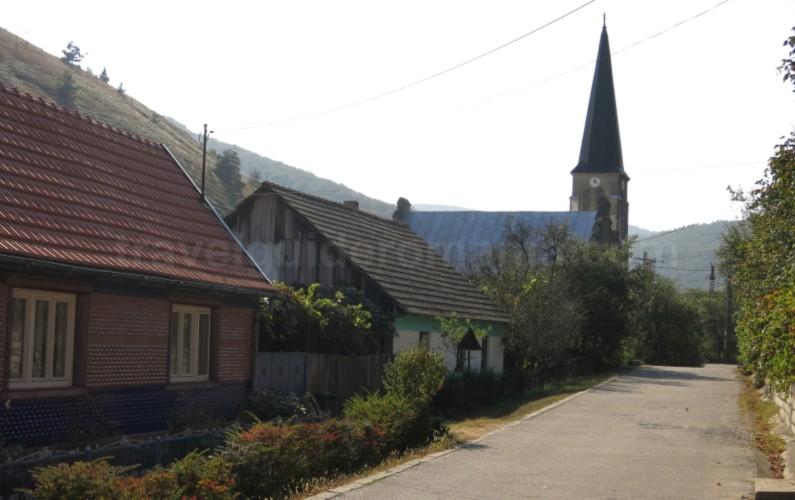 czech village eibenthal Banat Mountains danube