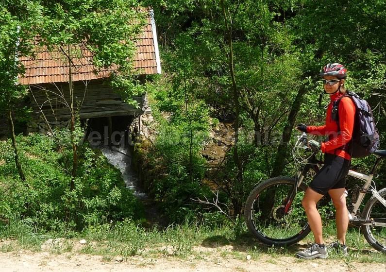 garnic czech village Banat Mountains Natural Park Portile de Fier water mill