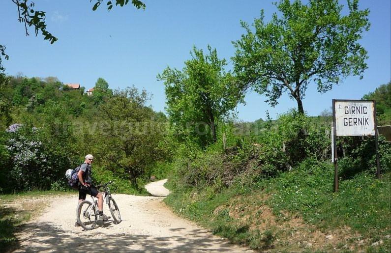 garnic mountain biking czech village Banat Mountains Natural Park Portile de Fier