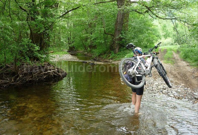 ravensca bigar mountain biking czech village Banat Mountains