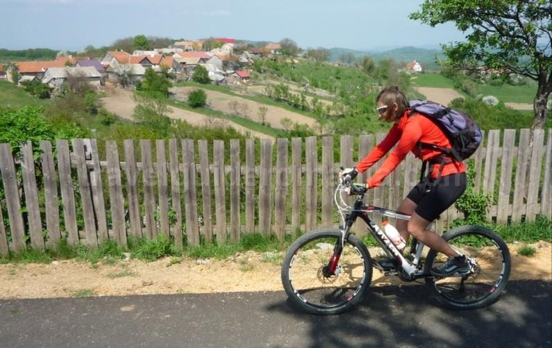 ravensca czech village Banat Mountains mountain bike