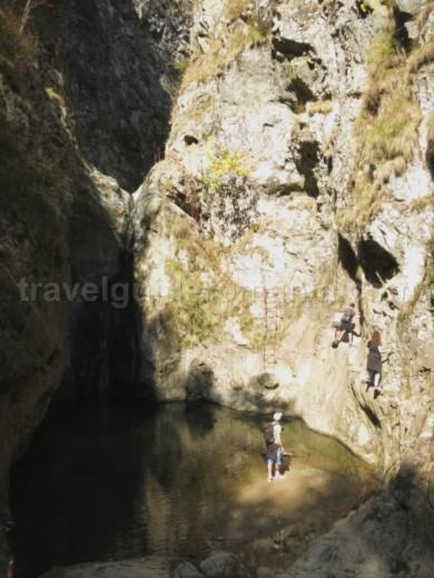 Valea lui Stan (Stan's Valley) Canyon fagaras climb