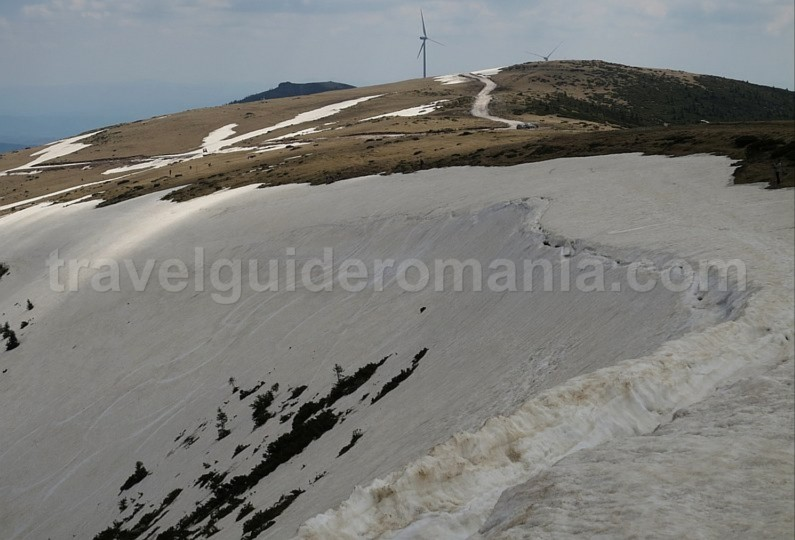 Cucurbata peak ski touring Bihor Vladeasa Mountains