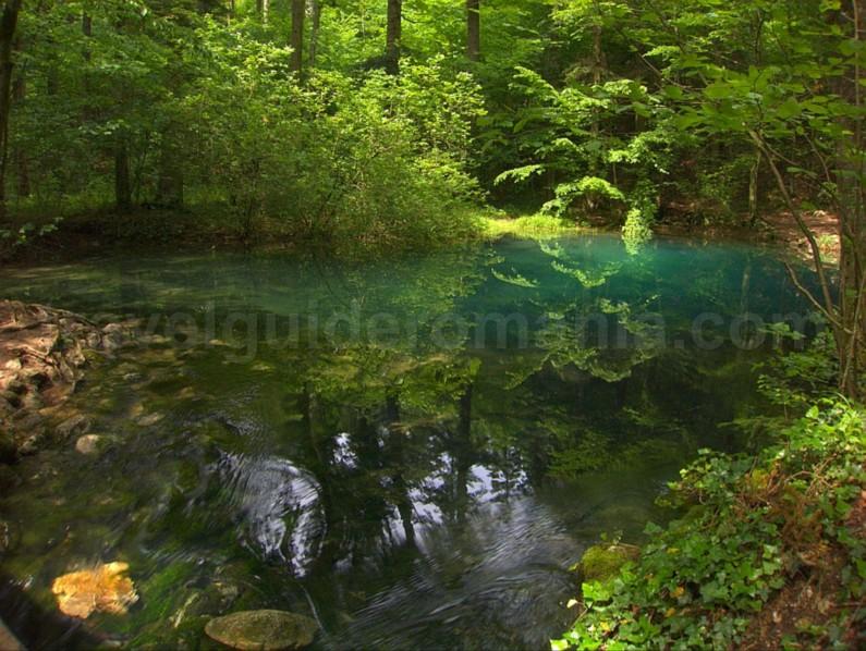 Ochiul Beiului Lake Nerei Gorge - Beusnita National Park