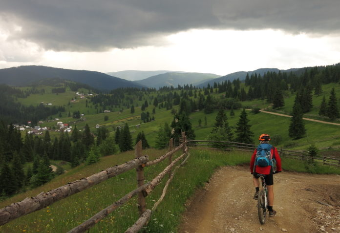 Ecoturism-Destination-Tara-Dornelor-mountainbike