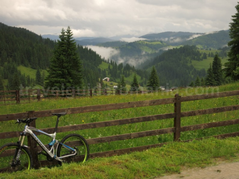 mountain-bike-Ecoturism-Destination-Tara-Dornelor