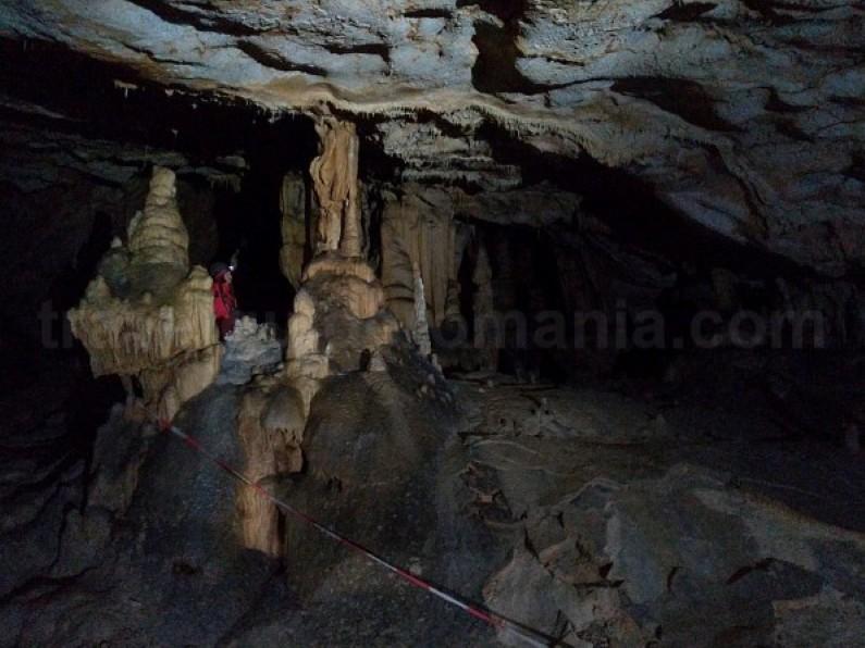 Tara Motilor vartop cave Apuseni