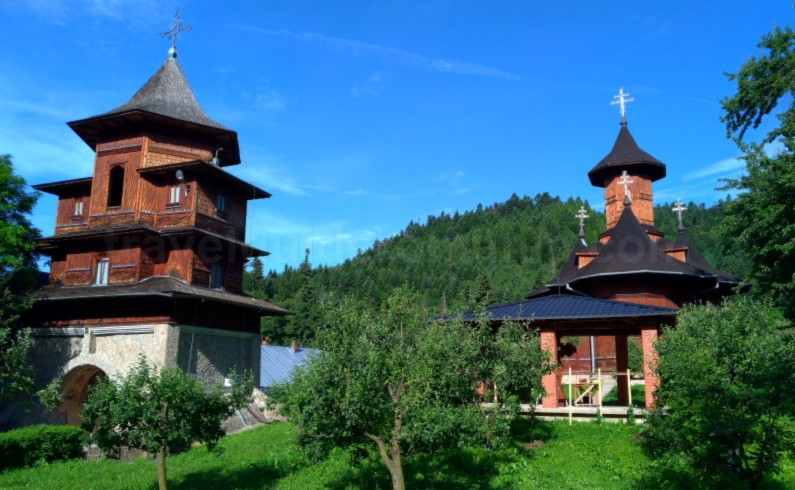 agapia veche parc Natural Park Vanatori Neamt