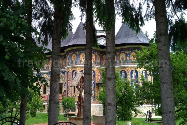 biserica carbuna Natural Park Vanatori Neamt toaca
