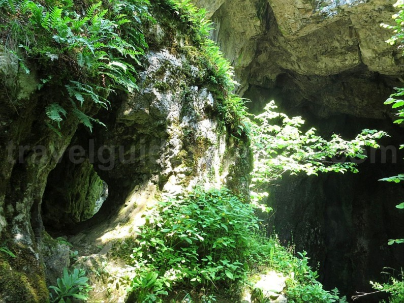 The Vaşcău Karst Plateau– The Apuseni Mountains campeneasca cave