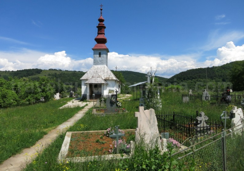 The Vaşcău Karst Plateau– The Apuseni Mountains colesti
