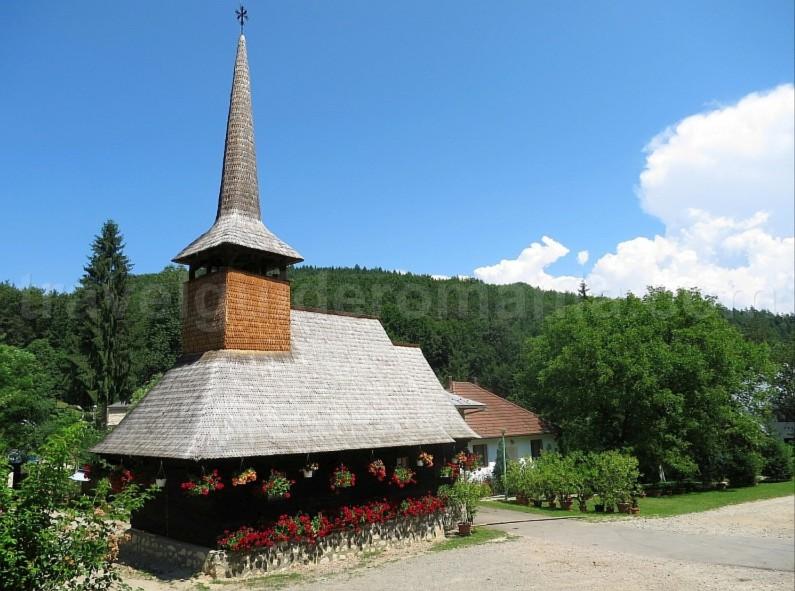 The Vascau Karst Plateau – The Apuseni Mountains monastery izbuc