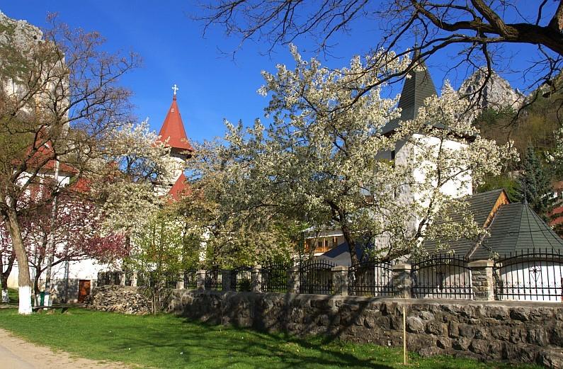 monastery-ramet-trascau